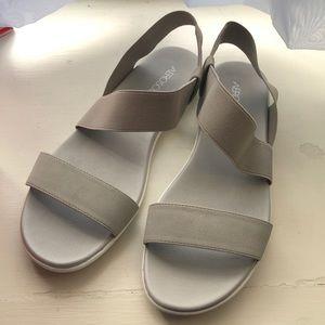 Aerosoles NIB Watchbox Grey Sandals 8.5M